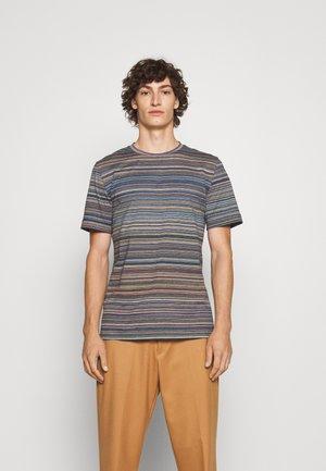 SHORT SLEEVE - Print T-shirt - fiammato/verde/blu
