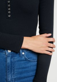 Abercrombie & Fitch - LONG SLEEVE BODYSUIT - Long sleeved top - black - 4