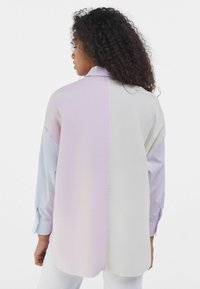 Bershka - MIT COLOUR-BLOCK  - Button-down blouse - mauve - 2