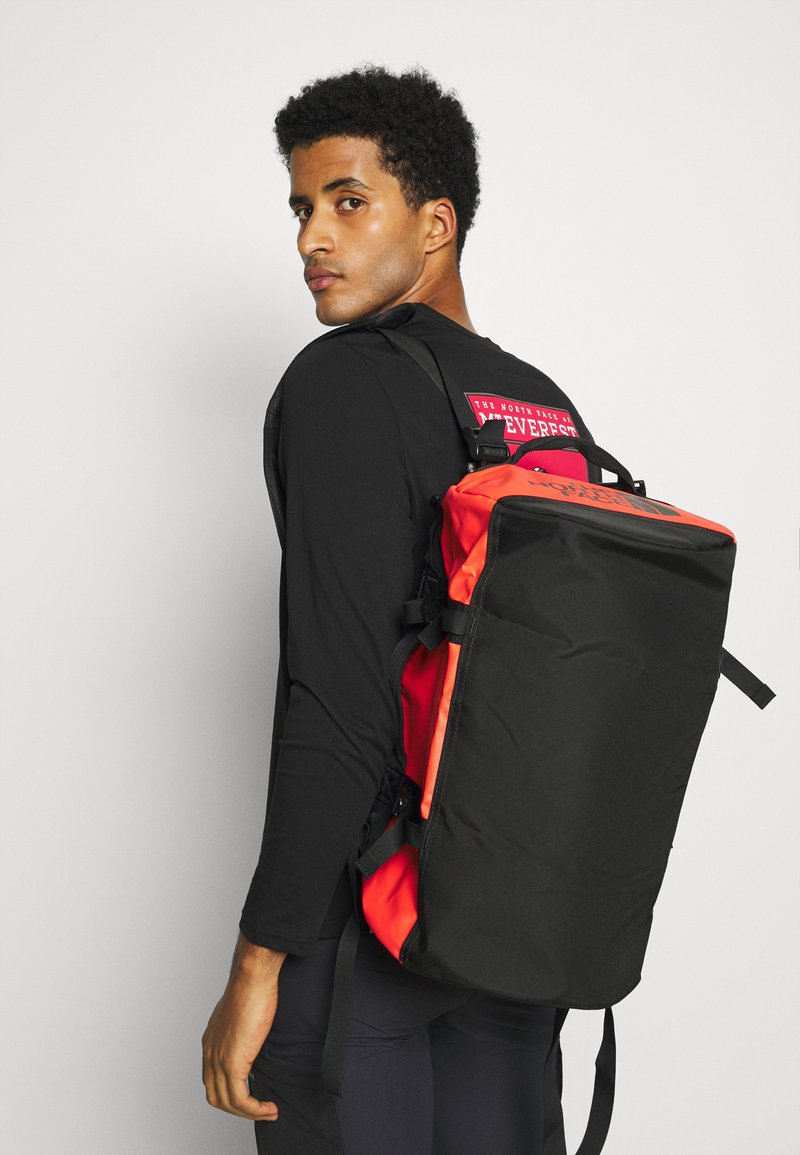The North Face - BASE CAMP DUFFEL XS UNISEX - Sportväska - black