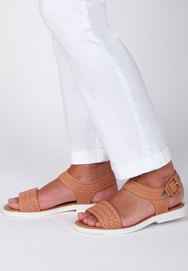 Sandals - brown/white