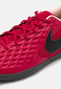 Nike Performance - TIEMPO LEGEND 8 CLUB IC - Indoor football boots - cardinal red/black/crimson tint/white - 5
