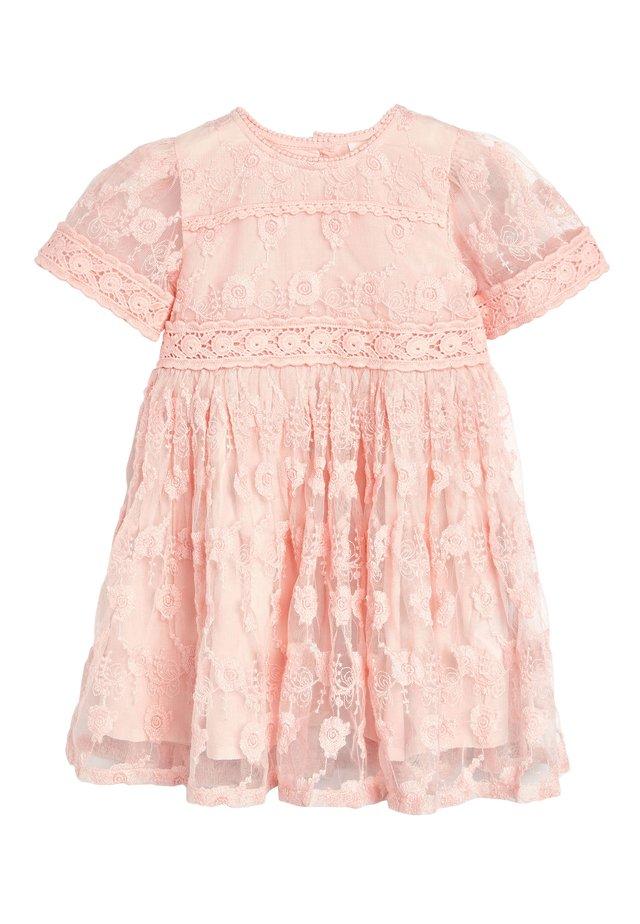 Vardagsklänning - pink