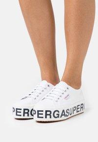 Superga - PLATFORM LETTERING - Baskets basses - white - 0