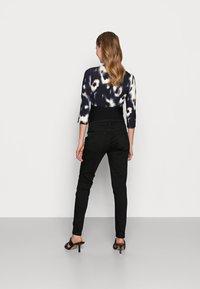 Anna Field MAMA - Jeans Skinny Fit - black - 2