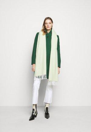 Šála - light green