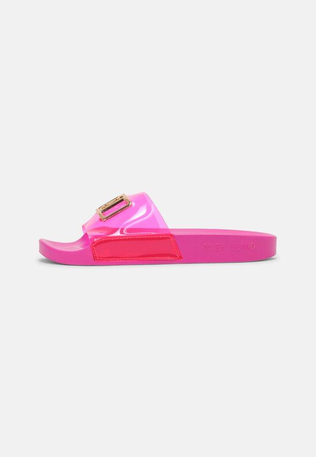Klapki - bright pink