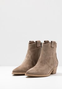 Kennel + Schmenger - EVE - Cowboy/biker ankle boot - tundra - 5