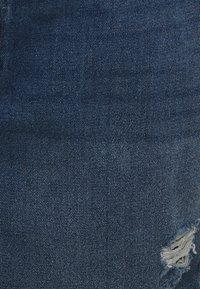Noisy May Curve - NMLOTTIE SKATE  - Shorts di jeans - medium blue - 6