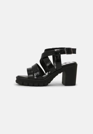 VEGAN RAGAN - Sandály na platformě - black