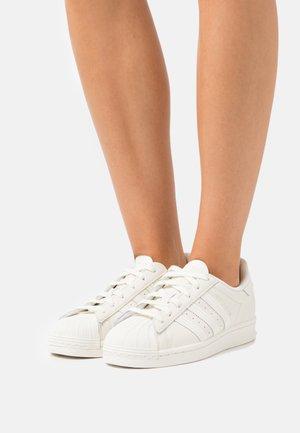 SUPERSTAR - Sneakersy niskie - off white/cream white/core black