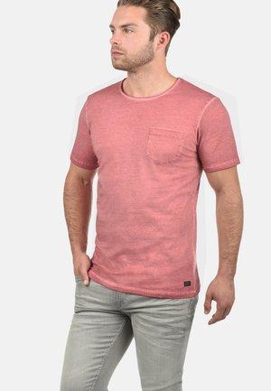 RUNDHALSSHIRT PANCHO - T-shirt basic - rio red