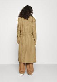 Hope - DUAL COAT - Trenchcoat - beige - 2