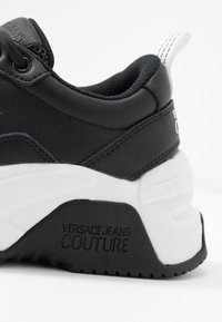 Versace Jeans Couture - LINEA FONDO FIRE ONE - Trainers - nero - 2