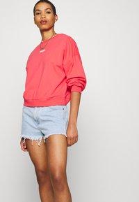 Wrangler - SUMMER WEIGHT - Sweatshirt - paradise pink - 4