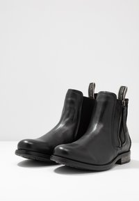 Sneaky Steve - CONCRETE - Classic ankle boots - black - 2