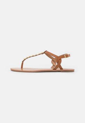 ONLMARGIT TOE SPLIT  - T-bar sandals - cognac