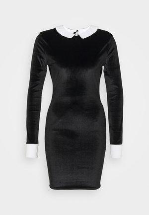HALLOWEEN EXAGGERATED COLLAR BODYCON DRESS - Shift dress - black