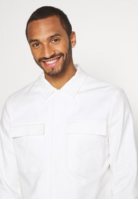 Topman - SMART SHACKET - Summer jacket - white - 3