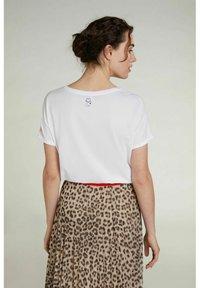 Oui - Print T-shirt - optic white - 2