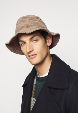Hat - muddy beige