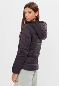 Bershka - Winterjas - black - 2