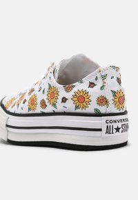 Converse - CHUCK TAYLOR ALL STAR SUNFLOWER PLATFORM OX - Zapatillas - white/citron pulse/terracotta pink - 6