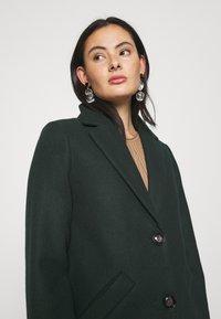 ONLY - ONLVERONICA COAT - Klasický kabát - scarab - 5
