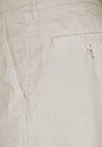 Carhartt WIP - JOHNSON MIDVALE - Shorts - glaze - 2