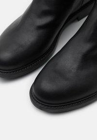 Trussardi - BOOT LISCIO - Vysoká obuv - black - 4