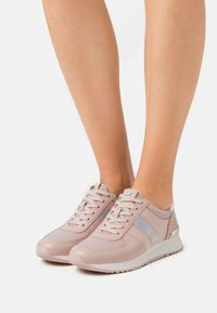 MICHAEL Michael Kors - ALLIE TRAINER - Trainers - soft pink - 0