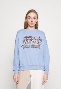 Even&Odd - Printed Crew Neck Sweatshirt - Sweatshirts - blue - 0