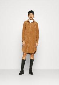 Another-Label - VALIANT DRESS - Kjole - sand - 1