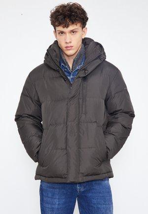 Down jacket - dark brown