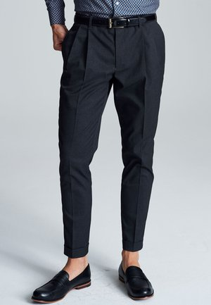TWIN PLEAT - Pantaloni - grey