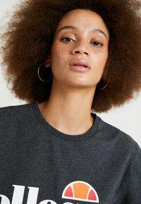 Ellesse - ALBANY - Print T-shirt - dark grey marl - 3