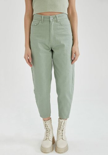 SLIM FIT - Relaxed fit jeans - green