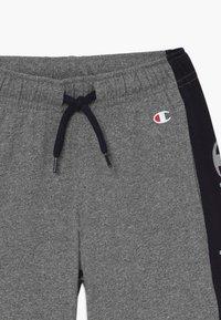 Champion - LEGACY AMERICAN CLASSICS BERMUDA - Pantaloncini sportivi - mottled grey - 3
