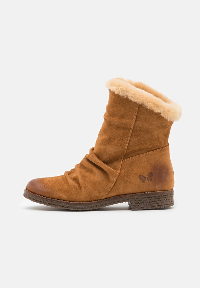 CREPONA  - Winter boots - nirvan nicotinne