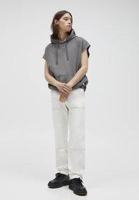 PULL&BEAR - Relaxed fit -farkut - white - 1