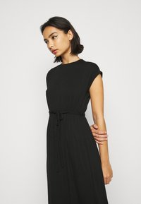 Dorothy Perkins Petite - ROLL SLEEVE DRESS - Maxi šaty - black - 4