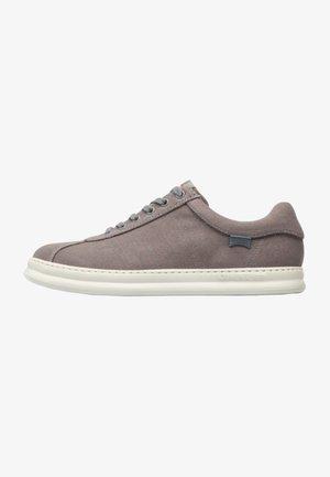RUNNER FOUR  - Zapatillas - grey