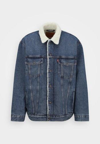 BIG SHERPA TRUCKER - Denim jacket - television