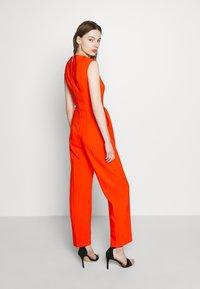 Closet - SLEEVELESS VNECK - Jumpsuit - orange - 2