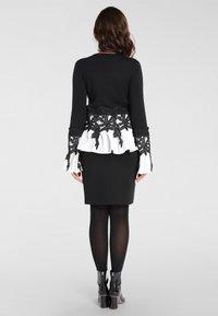 Apart - 2IN1 - Pullover - schwarz - 2