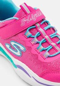 Skechers - POWER PETALS - Tenisky - neon pink/multicolour - 5