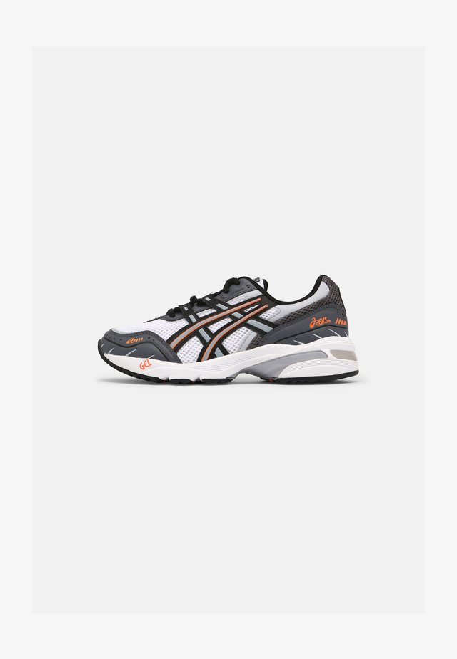 GEL 1090 UNISEX - Zapatillas - white/black/orange