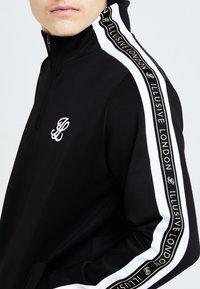 Illusive London Juniors - DIVERGE  - Sweatshirt - black gold  white - 4