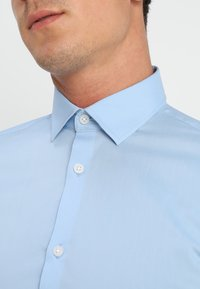 Selected Homme - SLHSLIMBROOKLYN - Formal shirt - light blue - 5