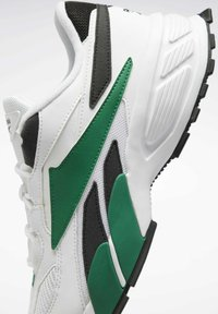 Reebok Classic - EVASION 20 SHOES - Zapatillas - white - 8
